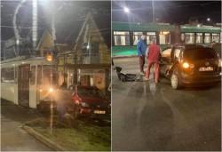 Două accidente vineri dimineaţa în municipiu în care au fost implicate tramvaie şi autoturisme, unul cu victima încarcerată
