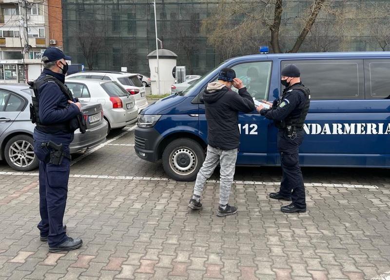 Depistat de către jandarmii arădeni în centrul Aradului, deși trebuia să stea în carantină în Sântana