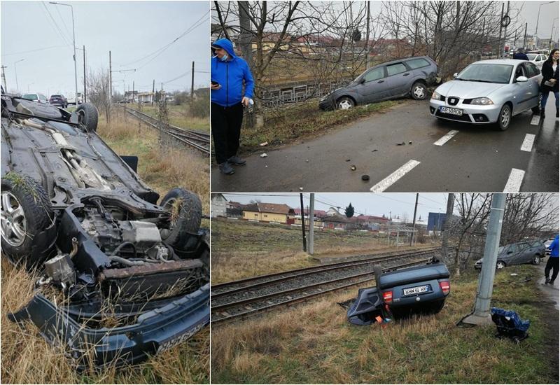 Tânără de 22 de ani, răsturnată cu maşina în afara carosabilului pe Calea Aurel Vlaicu după o coliziune cu un alt autoturism