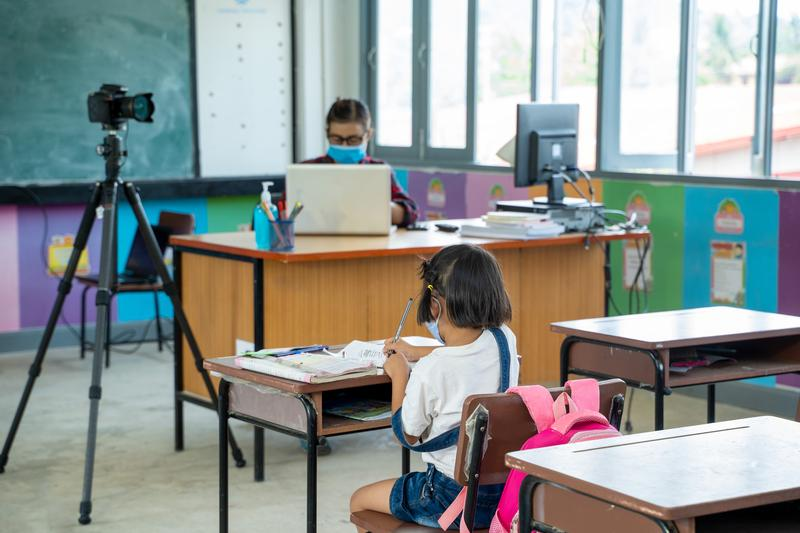 Cum se vor desfăşura de luni, 8 martie în Arad, cursurile în şcoli. Precizări ale Ministerului Învăţământului