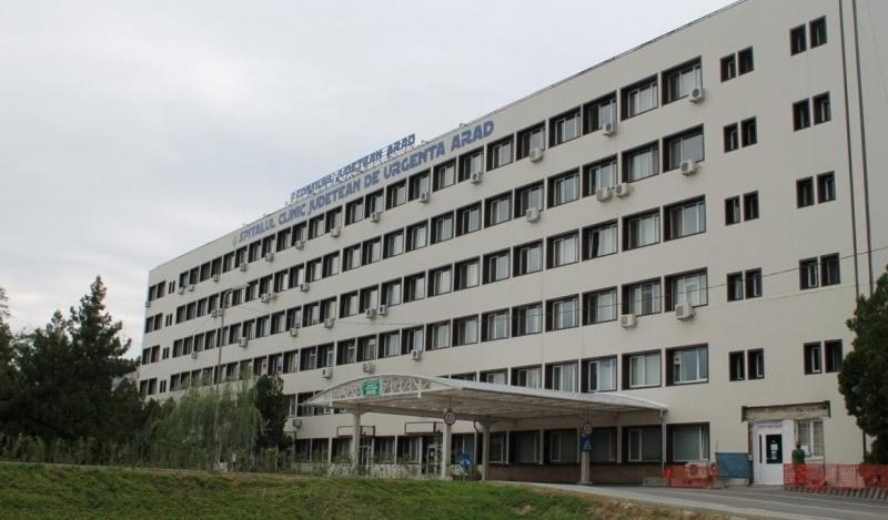 16 cadre medicale sancționate cu diminuarea salariului la Spitalul Județean Arad. Presupus caz de luare de mită anchetat de poliție