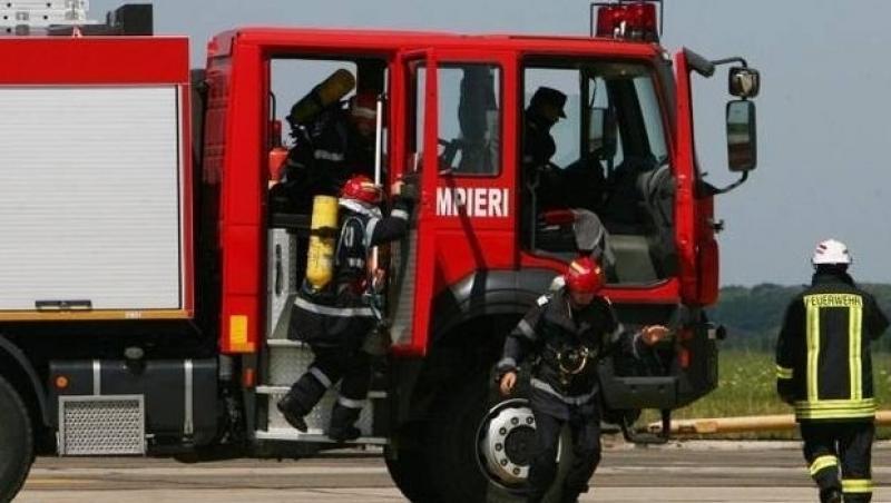 Un octogenar din Micălaca a dat foc la resturi menajere în apartamentul din bloc
