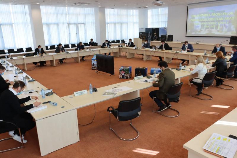 Întâlnire de lucru a parlamentarilor arădeni la Consiliul Județean Arad