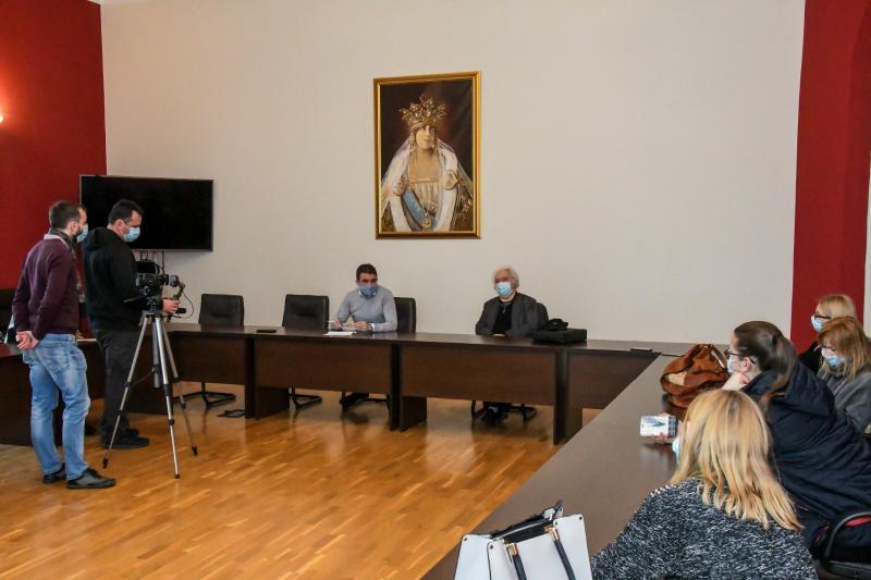 Călin Bibarț și Gheorghe Schwartz sunt convinși că Teatrul vechi va rămâne  al Aradului