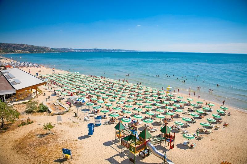 Destinațiile preferate de români, Turcia, Grecia și Bulgaria, se pregătesc pentru sezonul de vacanțe. Turiștii sunt primiți cu dovada vaccinării!