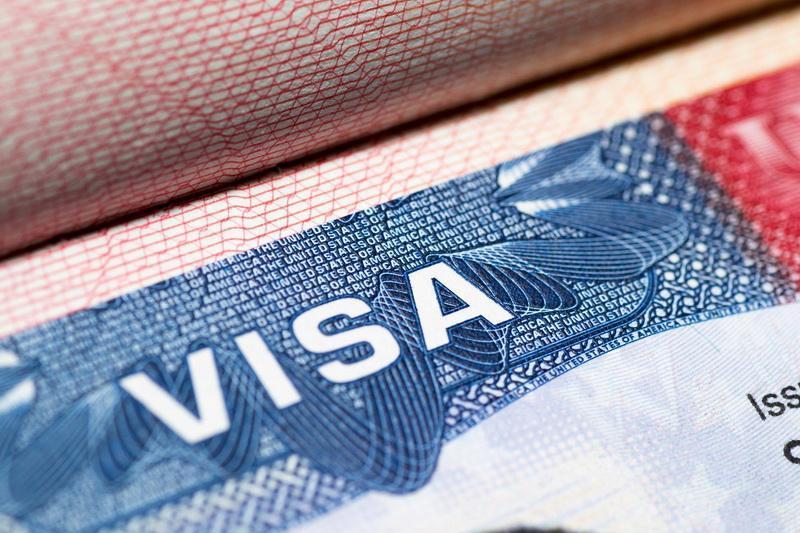 Români, luați-vă bilete spre America. Se apropie ziua în care vom călători în SUA fără viză