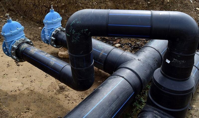 Continuă lucrările la reţeaua de apă din Vlaicu. Trafic îngreunat pe strada Meșterul Manole