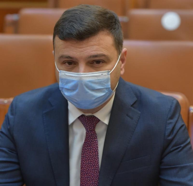 """Deputat Sergiu Bîlcea: """"Nu mai putem ține oamenii în case și nu ne mai permitem să închidem economia"""""""
