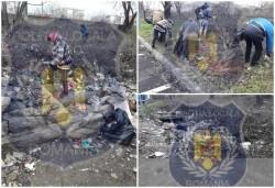 Aproape o tonă de gunoi a adunat primăria în Micălaca strânse de un om fără adăpost