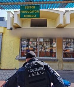 Arădeni, atenție la banane! În Piața Mihai Viteazu se vând banane cu iz de tutun