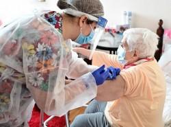 Arădenii din municipiu se pot vaccina la domiciliu cu ajutorul echipei mobile