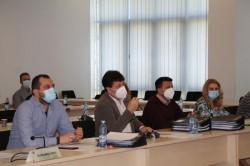 Bursele de ajutor social și de merit ale elevilor, pentru semestrul II, aprobate de Consiliul Județean Arad