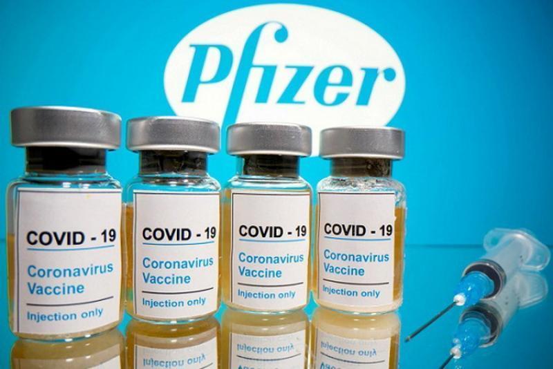 Peste jumătate de milion de doze de vaccin Pfizer sosesc luni în România