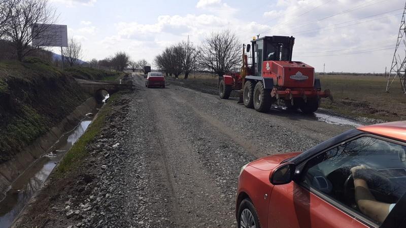 Blestemul drumului Arad- Șiria- Pâncota. Constructorul se joacă cu nervii șoferilor