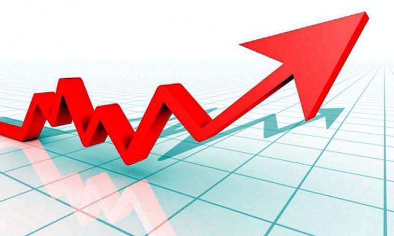 Prețul la benzină și la motorină a crescut amețitor. Un leu în plus pentru un litru de benzină față de acum un an