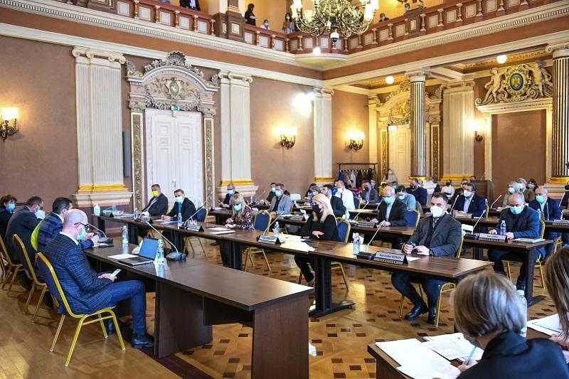 A fost aprobată rețeaua școlară în municipiul Arad. Mai multe licee vor fi comasate în anul școlar 2021-2022