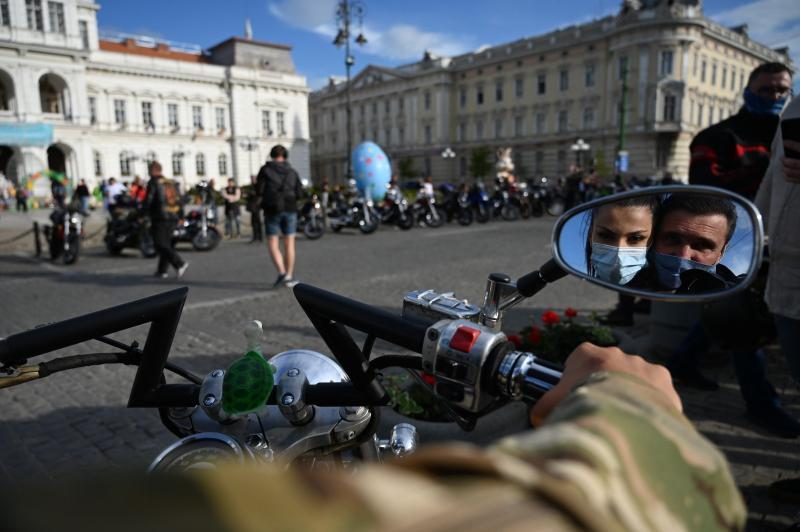 Zeci de motocicliști arădeni fac azi promovare pentru vaccinare