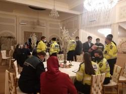 """Nuntă de pandemie în Şimand, """"spartă"""" de poliţişti sâmbătă seara"""