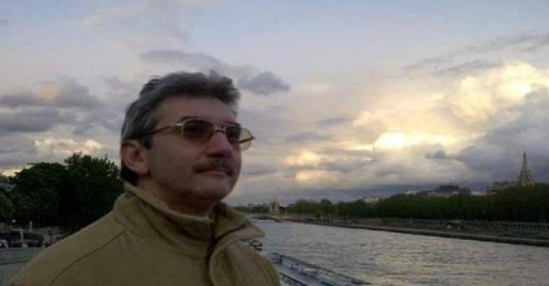 """Jurnalistul timișorean Radu Ciobotea a murit la 60 de ani în urma unei septicemii. El a fost profesor la Universitatea """"Aurel Vlaicu"""" din Arad"""