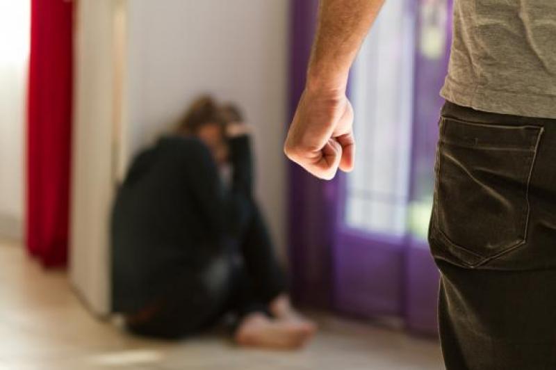 Soț și concubin violenți în zi de sărbătoare