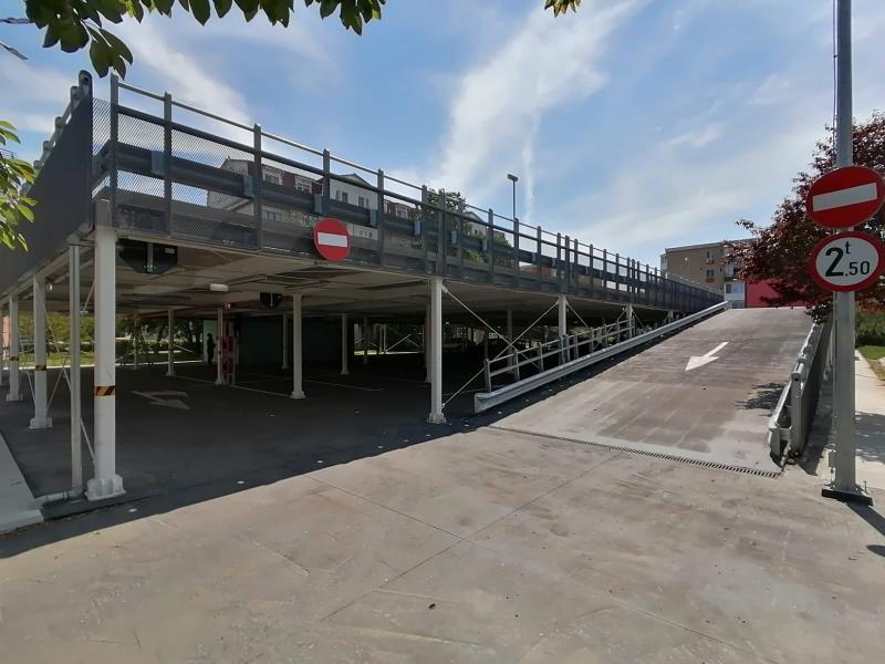 Fast Park-ul din Alfa, supravegheat video