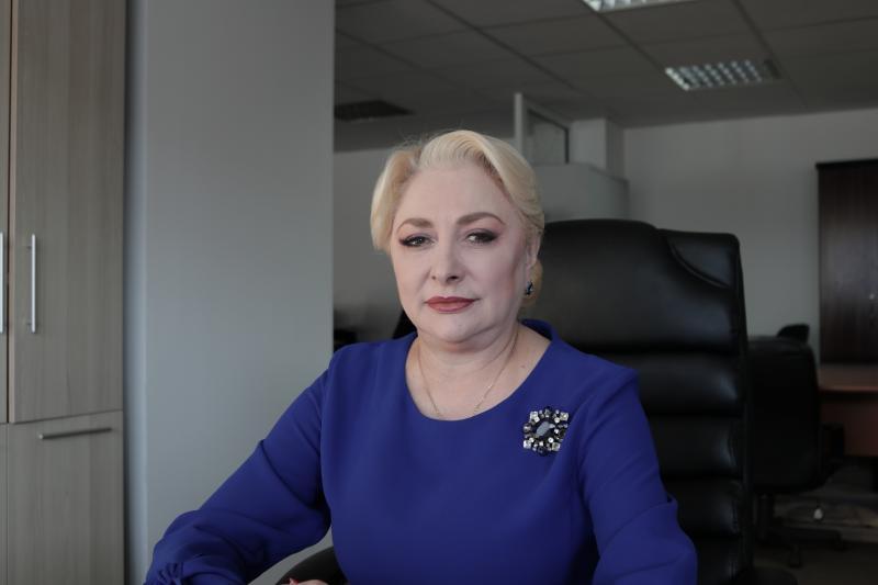 Mugur Isărescu are nevoie de ajutorul Vioricăi Dăncilă pentru a conduce BNR. Dăncilă este noul consilier de strategie al guvernatorului BNR