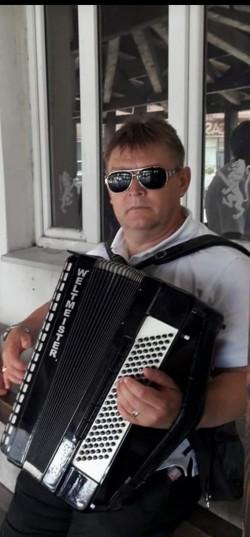 Consilierul local PSD al comunei Vladimirescu Dorel Huzur găsit în conflict de interese. ANI a făcut sesizare la Parchet pentru că s-a folosit de funcție pentru obținerea unui folos patrimonial