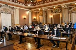 Primăria Arad acordă aproape 6000 de burse elevilor arădeni
