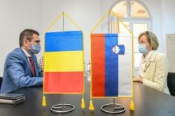 Vizita Ambasadorului Sloveniei la Arad. Slovenii vor construi sere la Zimand care vor furniza răsaduri pe piața românească