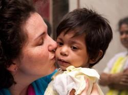 În 2 iunie în România se sărbătorește Ziua Națională a Adopției. În județul Arad numărul adopțiilor cunoaște, de la an la an, o creștere