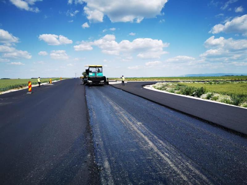 S-a realizat amenajarea intersecției drumului județean 709B cu centura de sud al orașului Curtici