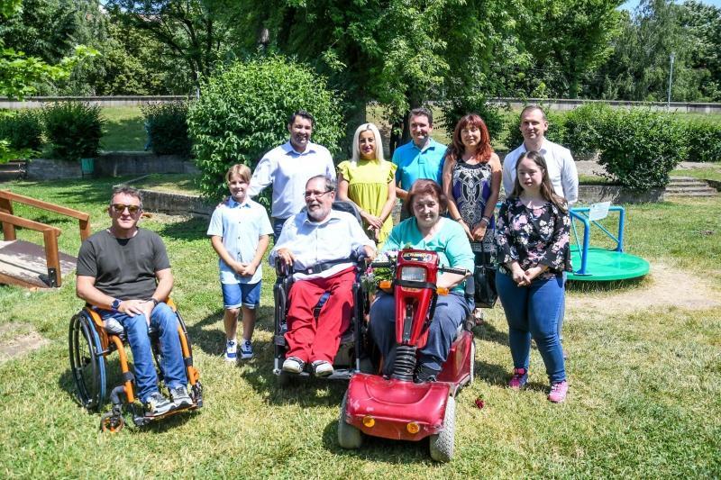Locuri de joacă special destinate copiilor cu dizabilități