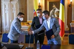 S-a semnat contractul pentru 10 autobuze electrice pentru Arad
