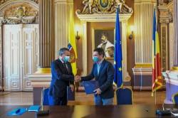 Anul viitor scăpăm de birocrația din primărie ne promite primarul Călin Bibarț, prin noul proiect de digitalizare semnat astăzi