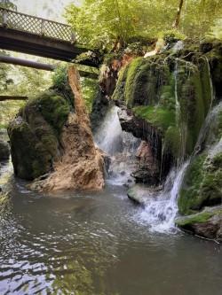 Precizări ale Romsilva în urma surpării unui perete al cascadei Bigăr