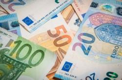 E ceva putred în Danemarca. Euro a sărit din nou peste 4,92 lei