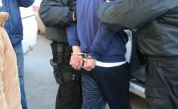 Tâlhărie într-un supermarket din Arad. Descoperit de agentul de pază, hoțul l-a pulverizat cu spray lacrimogen