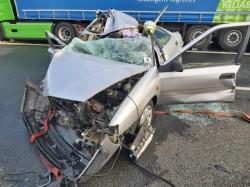 Victimă, cetățean german, preluată de elicopterul SMURD după ce a intrat cu mașina într-un TIR