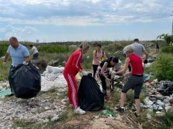 9 tone de deșeuri adunate la Curtici