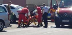 O femeie în vârstă a fost accidentată de un autoturism pe strada Poetului