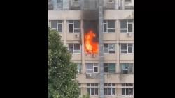 """Un alt spital din România a luat foc. Incendiu la Spitalul pentru Copii """"Sfânta Maria"""" din Iași. S-a instituit cod roșu de intervenție"""