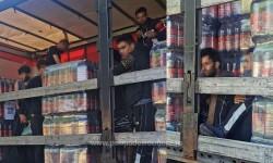 Migranți depistați de polițiștii de frontieră arădeni printre paleți de bere