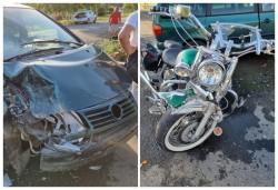 Un motociclist arădean a văzut moartea cu ochii după ce a fost izbit în plin de o mașină