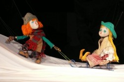 """Minunata poveste """"Crăiasa zăpezilor"""" – din nou pe scena de la Marionete"""