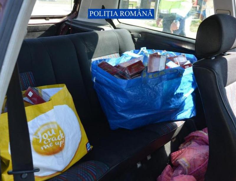 Soț și soție depistați la Fortuna cu 100 de pachete de țigări de contrabandă