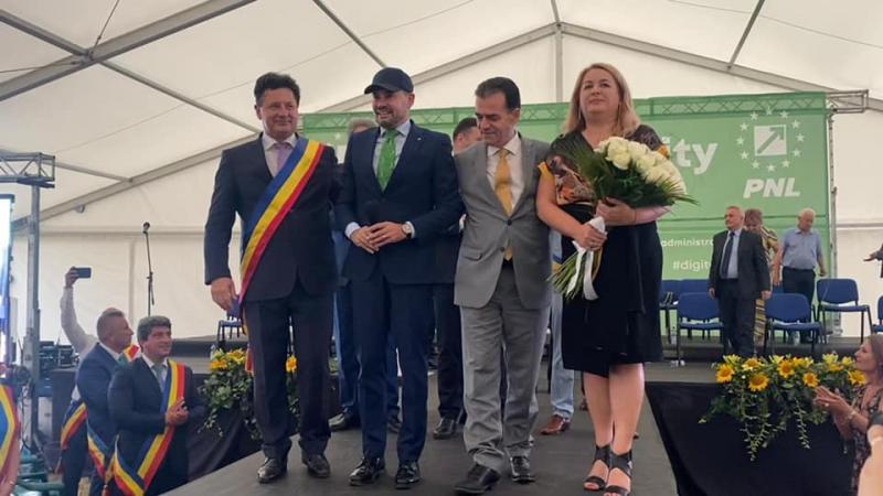 Gheorghe Falcă a câștigat un nou mandat de președinte al PNL Arad în cadrul unui eveniment impresionant