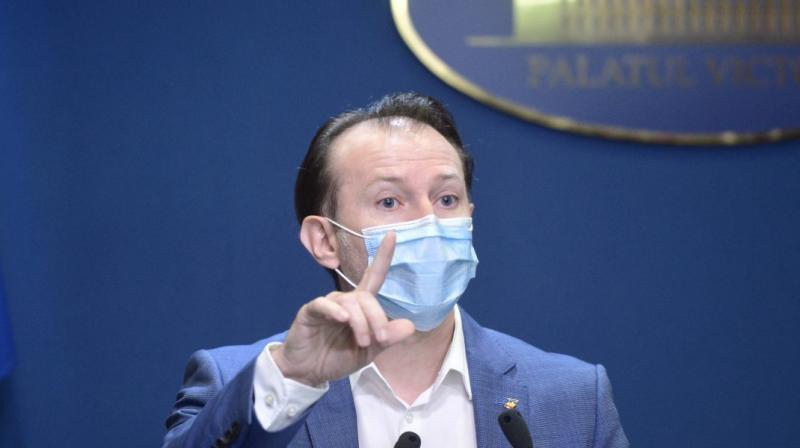 Premierul Cîţu anunță noi relaxări de la 1 august, însă nu scăpăm de mască la interior