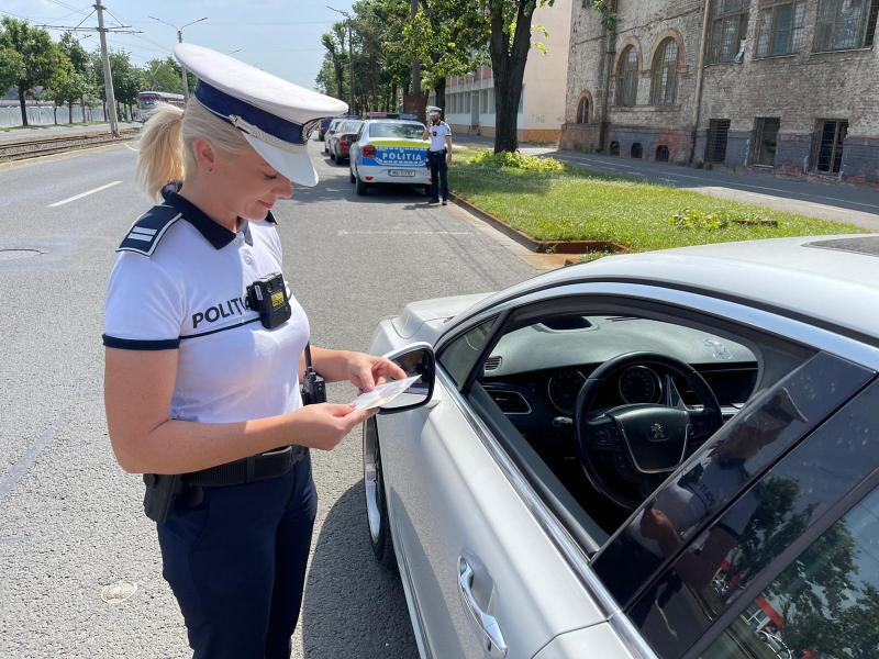 Acțiune de amploare a polițiștilor arădeni în municipiu. 3 permise, 8 taloane reșinute și sanținuni de 37.310 lei aplicate