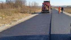 A fost așternut ultimul metru din primul strat de asfalt între Târnova și Buteni