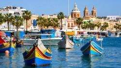 Români veți putea merge în vacanță în Malta doar vaccinați. Malta este prima țară din Europa care permite intrarea în țară doar a persoanelor vaccinate